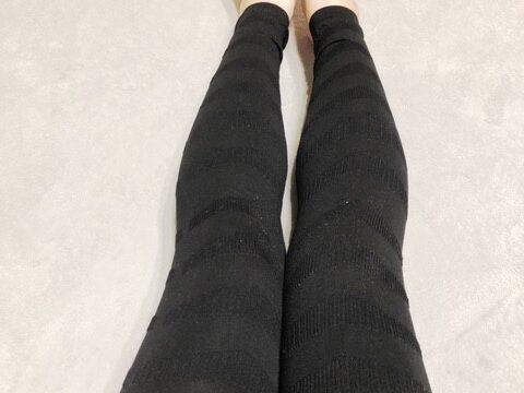 フラミンゴレギンス着用脚
